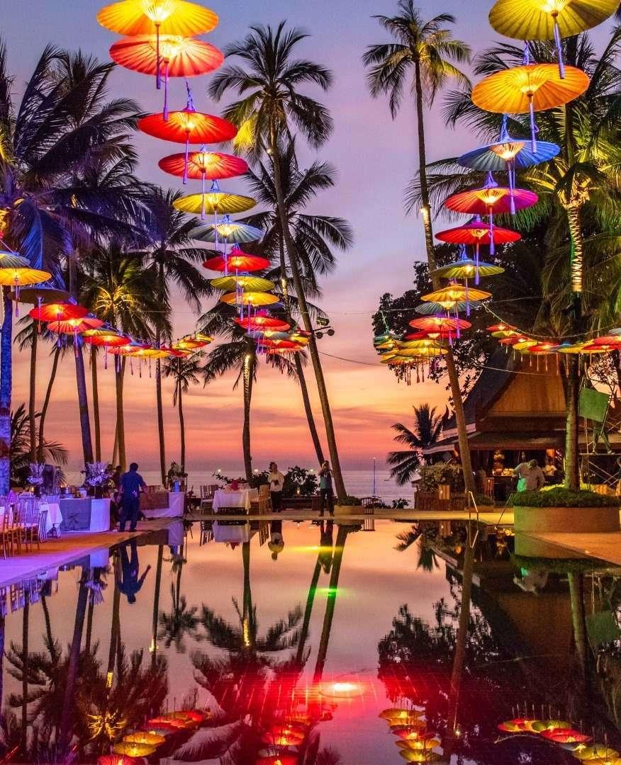 Zwembad van Amanpuri op Pansea Beach op Phuket, Thailand