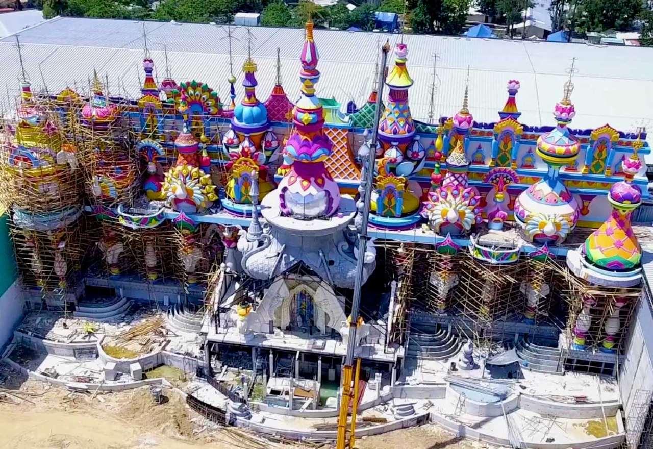 Kasteel van Starlight van Carnival Magic in aanbouw
