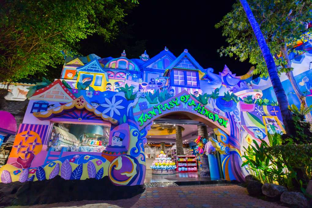 Fantasy of a Kingdom in Phuket FantaSea in Kamala on Phuket