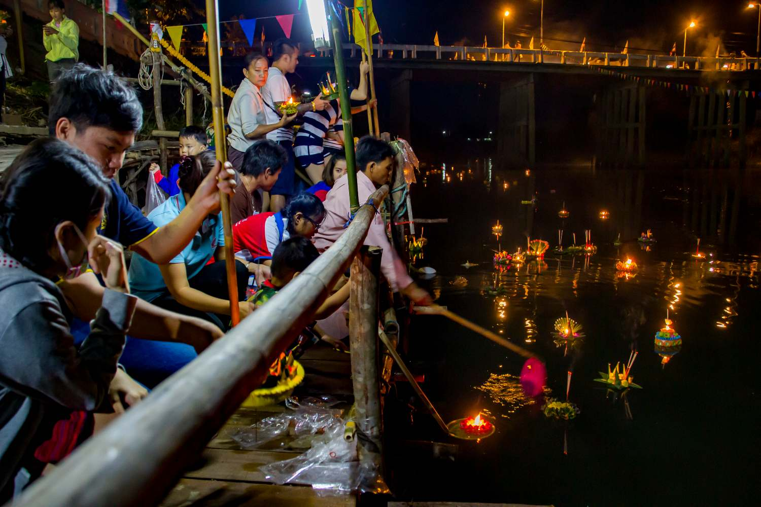 Loy Khratong at the Ping River in Pa Dua, Thailand