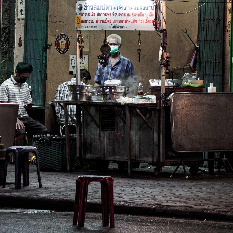 Vissoep verkoper in Bangkok