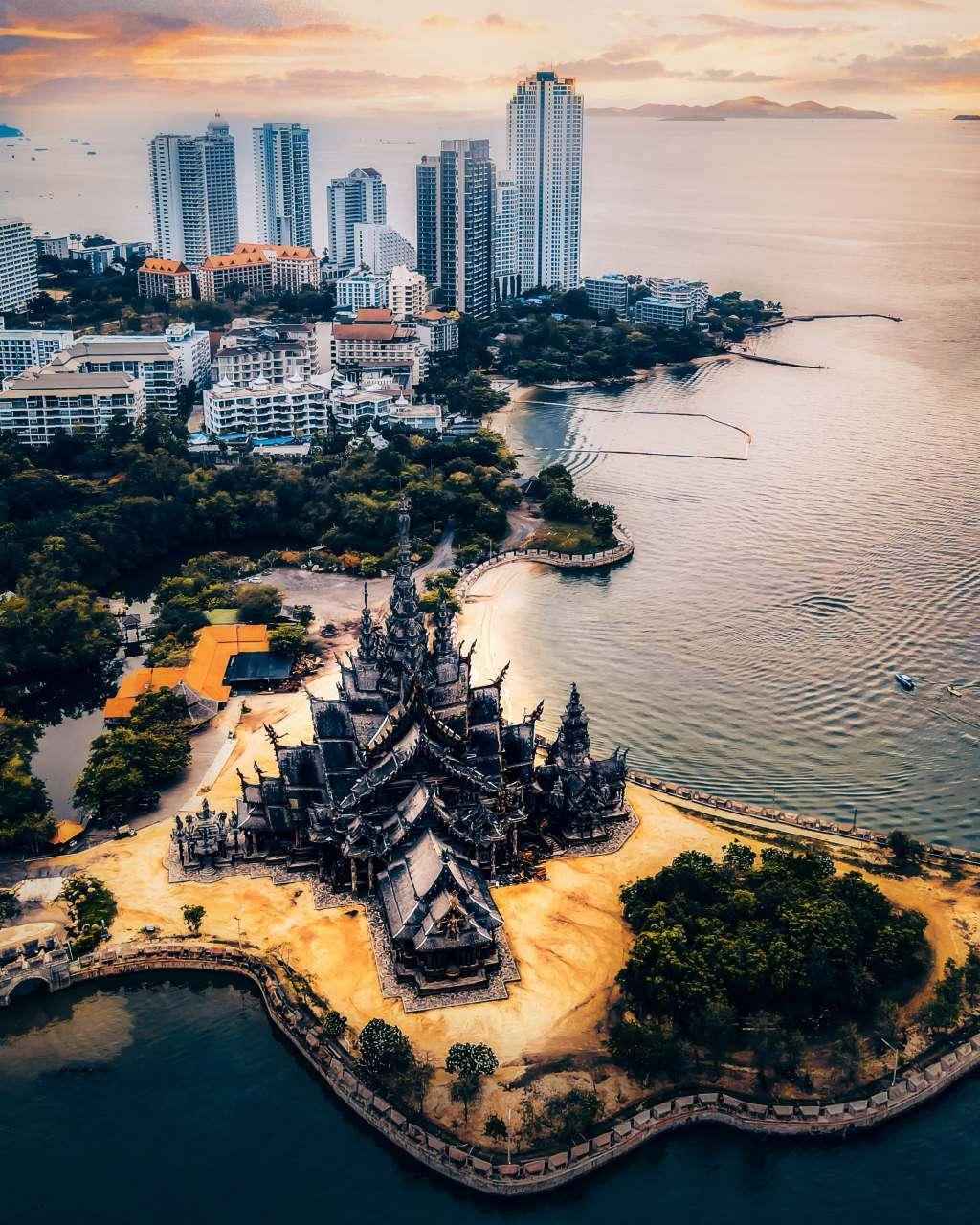 De Sanctuary of Truth in Pattaya, Thailand