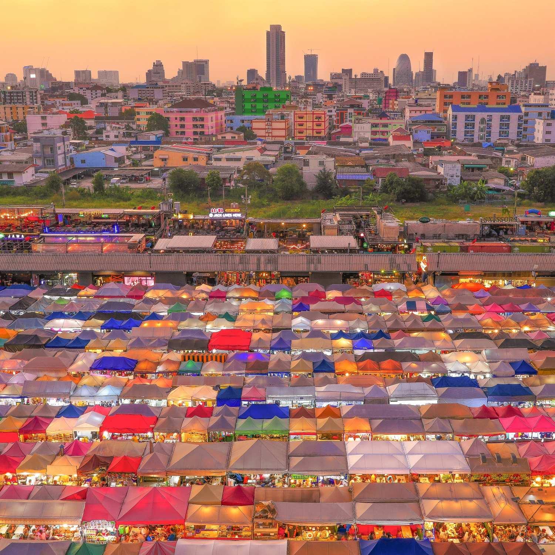 Rod Fai Market in Bangkok